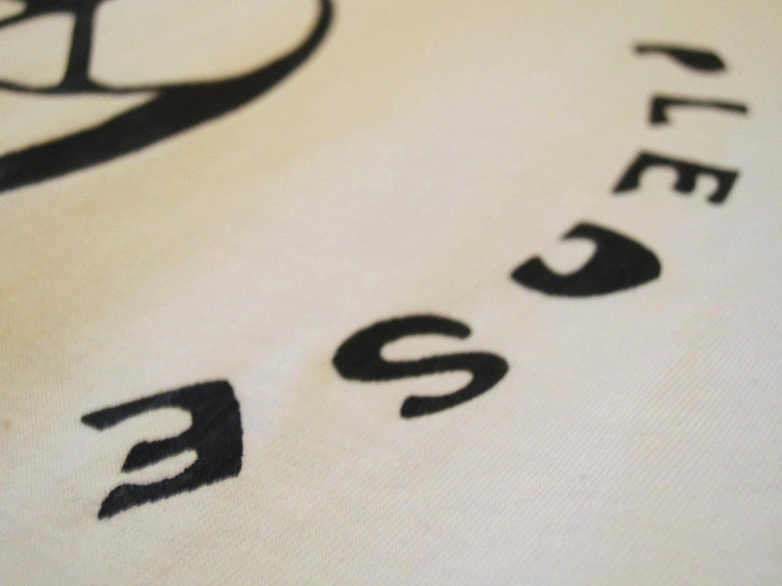 69peacetshirts03.JPG