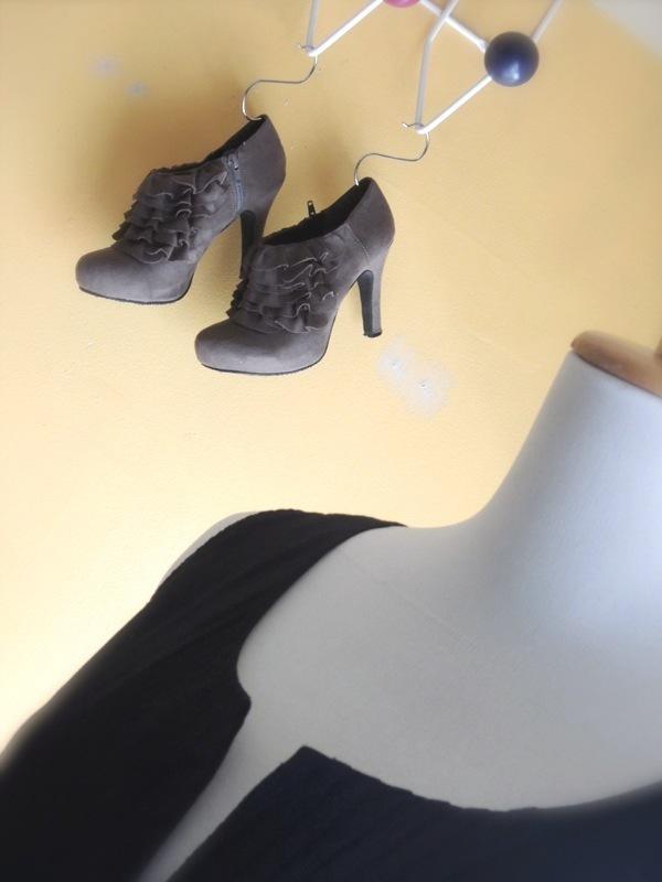 balack&lace02.JPG
