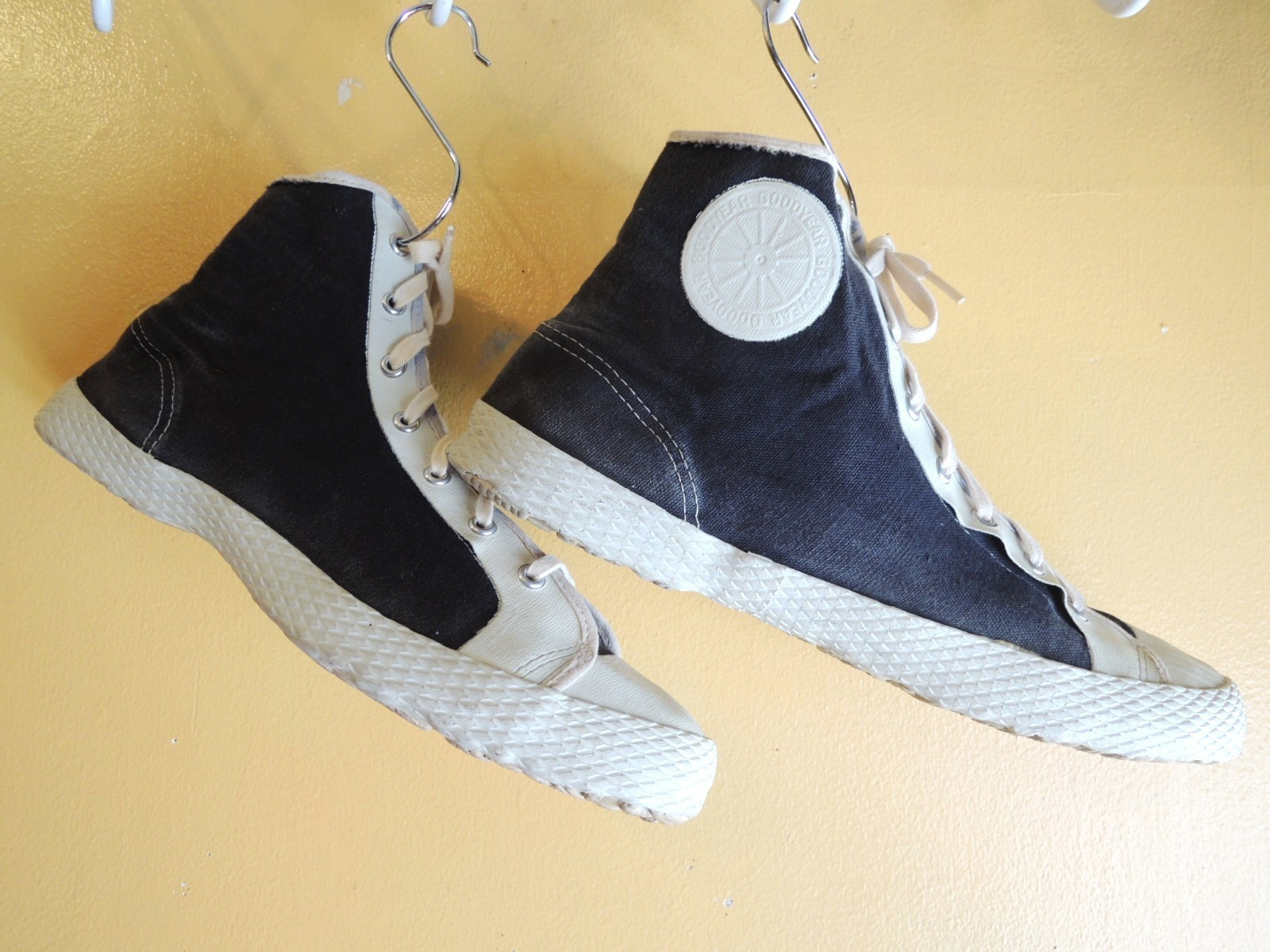 goodyear2tonecanvasshoes01.JPG