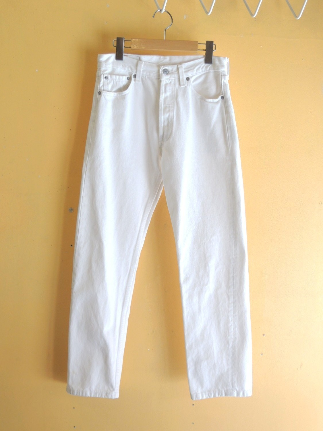 levi's501whitejeans01.JPG