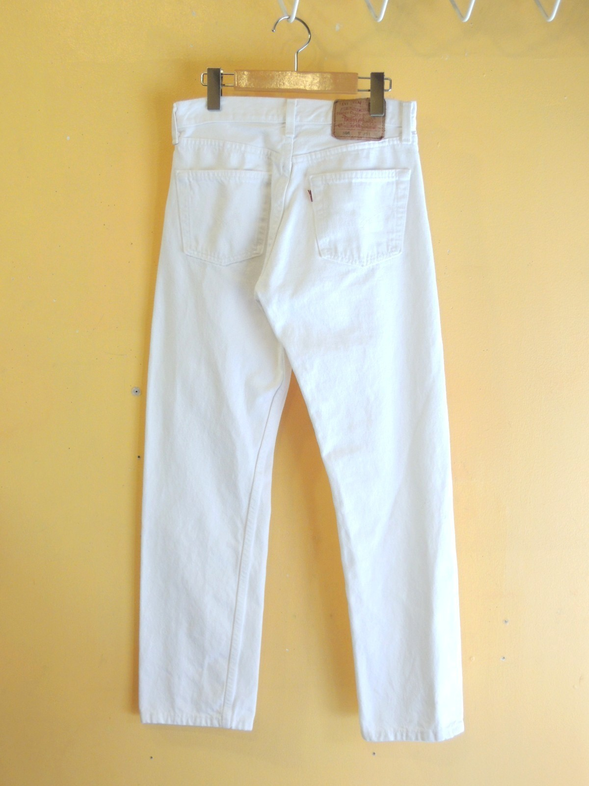levi's501whitejeans02.JPG