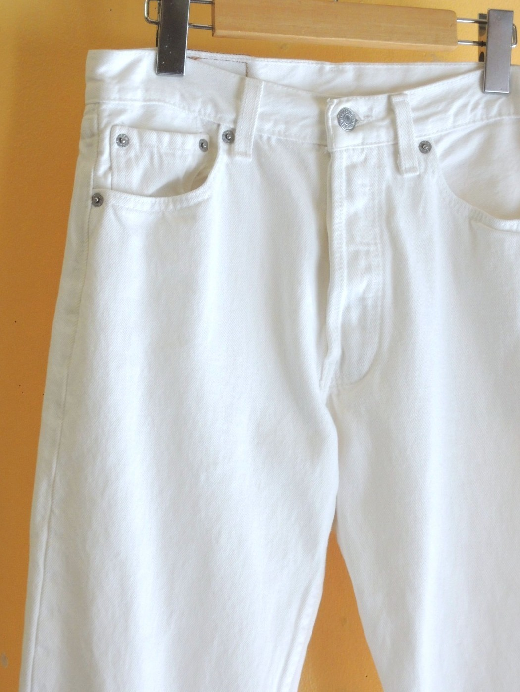 levi's501whitejeans05.JPG