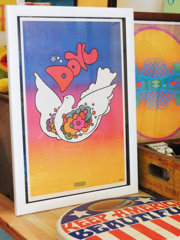 peacepewternecklace06.JPG