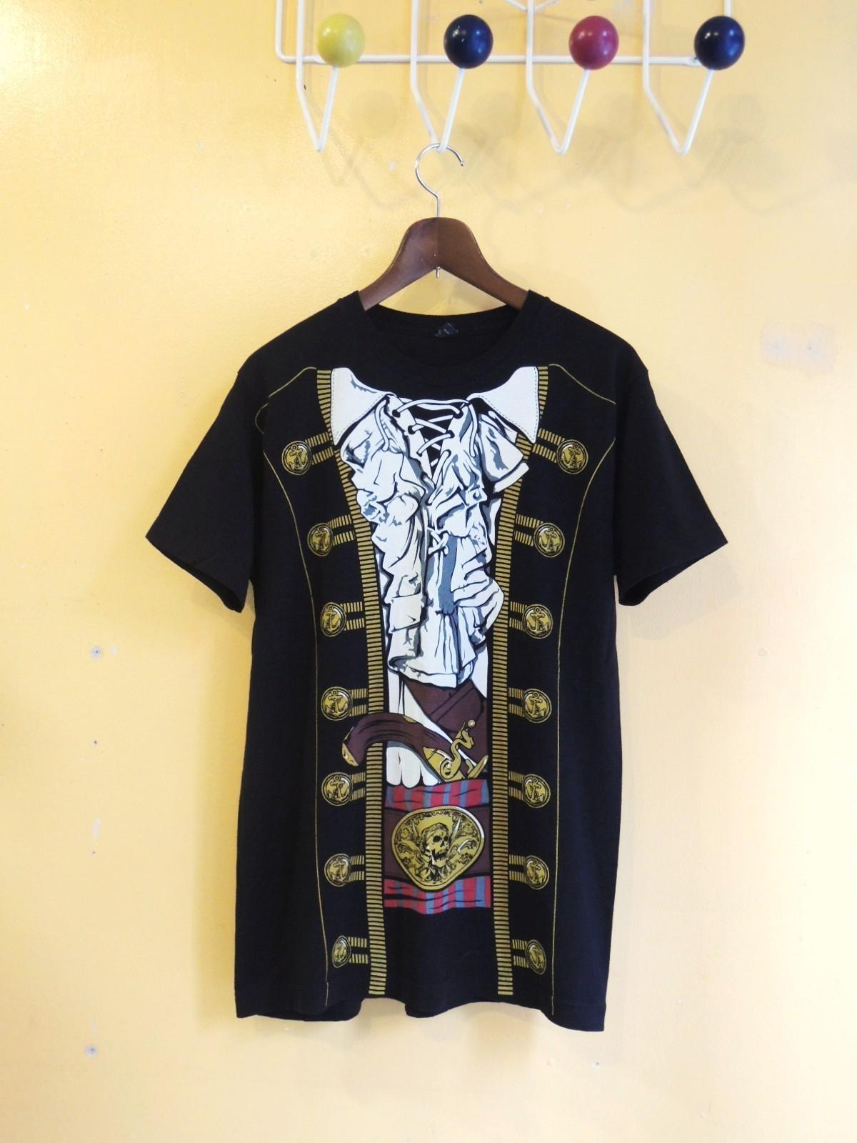 piratefakeprinttshirts01.JPG