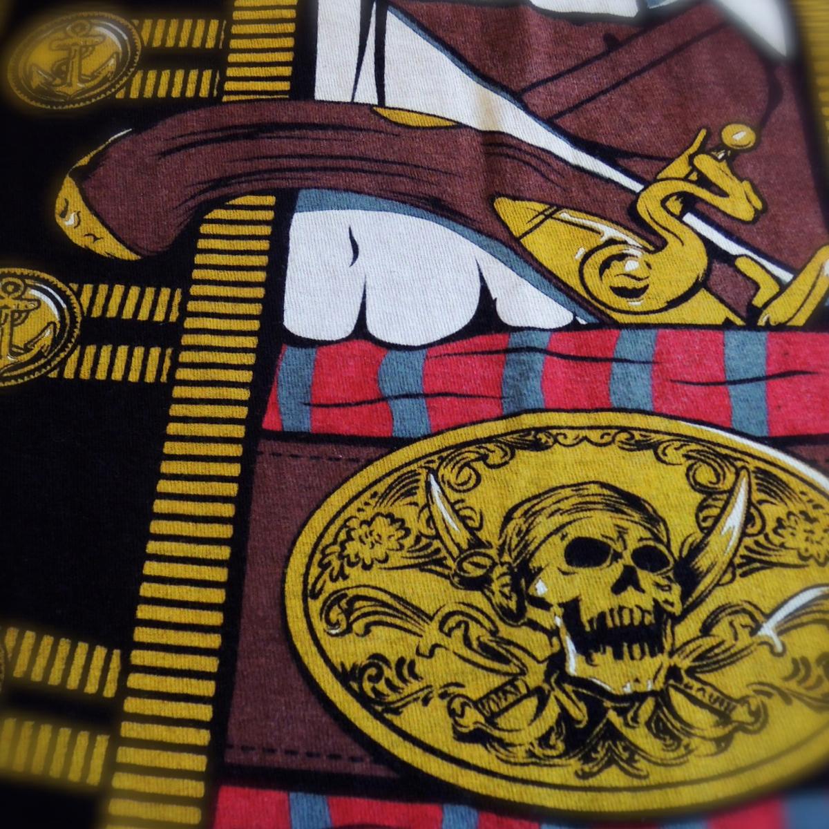 piratefakeprinttshirts05.JPG
