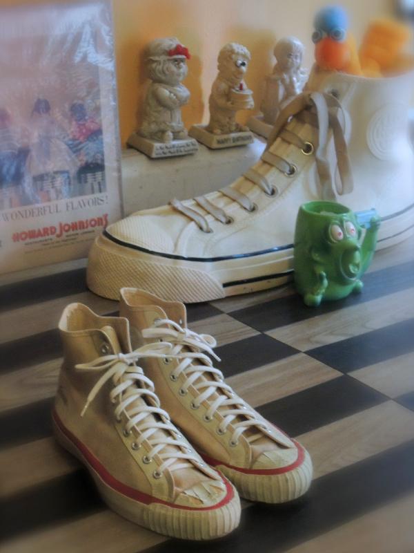 spaldingcanvasshoes01.JPG